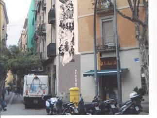 Fotomontaje de las medianeras del Raval para homenajear a la rumba catalana