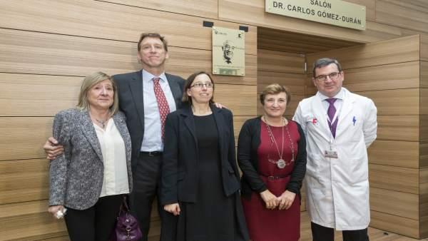 Desubrimiento de la placa con el nombre del doctor Gómez-Durán