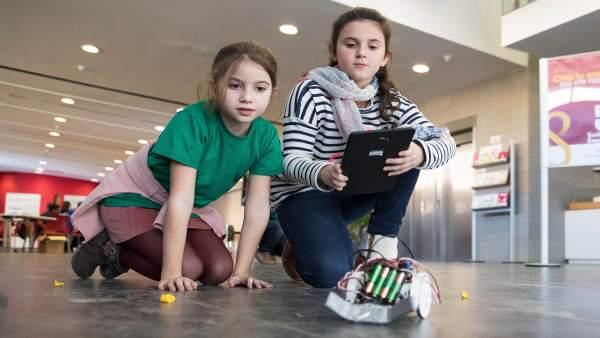 Estudiantes crean soluciones tecnológicas