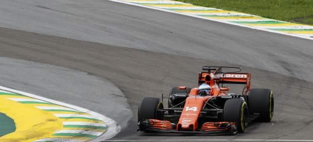 Hamilton y Vettel son los más exitosos en Abu Dabi, donde Alonso vivió un duro revés
