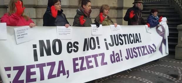 Los colectivos Andres y Lunes Lilas ante el juicio por la presunta violación.