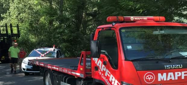 Grúa retira un vehículo