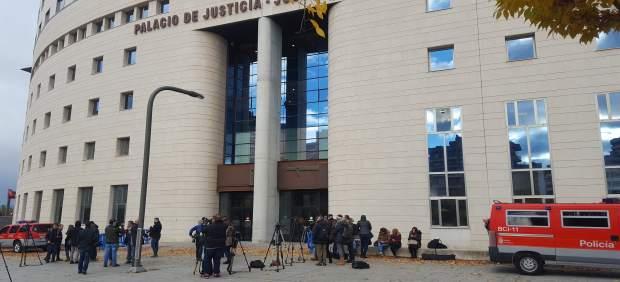 Palacio de Justicia de Pamplona ante el juicio por supuesta violación grupal.