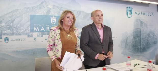 Angeles Muñoz alcaldesa de Marbella y Manuel Osorio OSP presupuestos 2018