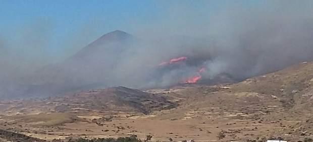 Incendio en el Pozo de los Frailes, en el parque Cabo de Gata-Níjar
