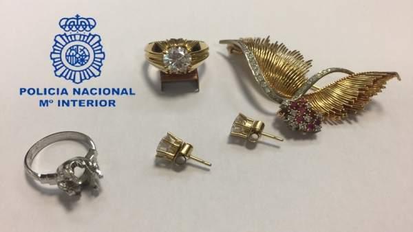 Detinguda a València per robar dos lingots d'or d'una caixa forta en la casa on treballava