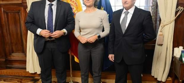 López Miras se reúne con Isabel García Tejerina