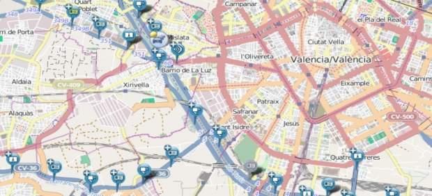 Un accident múltiple entre cinc vehicles causa retencions de sis quilòmetres en la V-30, a Xirivella (València)