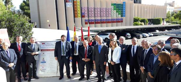 Inauguración de la tabla periódica más grande del mundo en la UMU