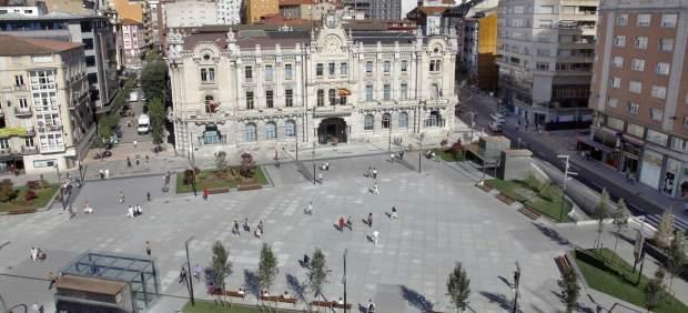 Edificio y plaza del Ayuntamiento de Santander