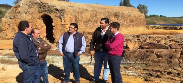 Visita de los dirigentes del PP a Villarrasa.