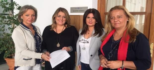 Representantes del PP en el registro del Parlamento andaluz