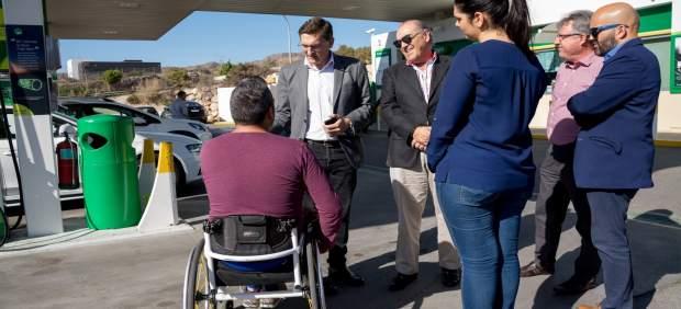Sánchez Teruel (PSOE) con representantes de la FAAM