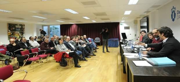 Foto Plenario Reunido Na Deputación Da Coruña Decide Explorar Todas As Vías Para