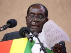Mugabe cede a las presiones del Ejército y renuncia a la presidencia de Zimbabue