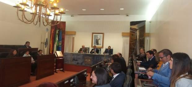 Nota De Prensa Y Fotos De Hoy, 15 De Noviembre, Pleno Concesión Medallas Provinc