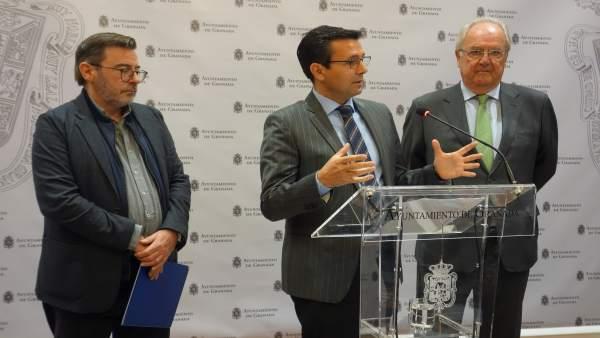 El alcalde de Granada, Francisco Cuenca, en rueda de prensa