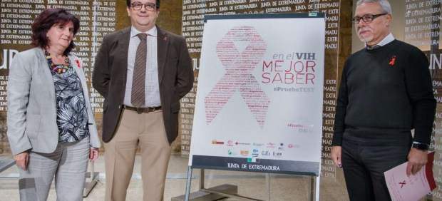 Guijarro, Vergeles y Pérez Aviles en la presentación de la campaña