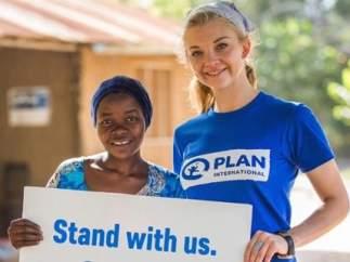 La actriz Natalie Dormer ('Juego de Tronos') es la nueva embajadora de la campaña de Plan International para ilegalizar el matrimonio infantil en Tanzania