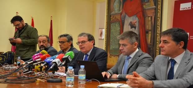 Foto Rueda De Prensa Rector 151117