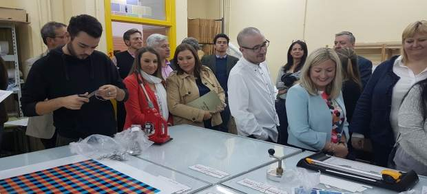 Carrillo (centro) y Ruiz (izda.) en una de las visitas