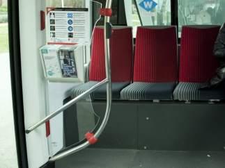 Interior de un autobús de TMB en Barcelona.