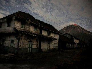 Erupción nocturna