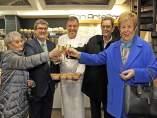 El alcalde con la familia Bizkarra