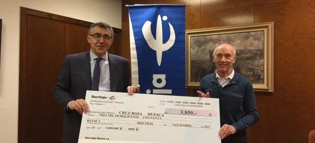 Cruz Roja recibe la ayuda solidaria de la Carrera Popular Ibercaja Huesca 2017