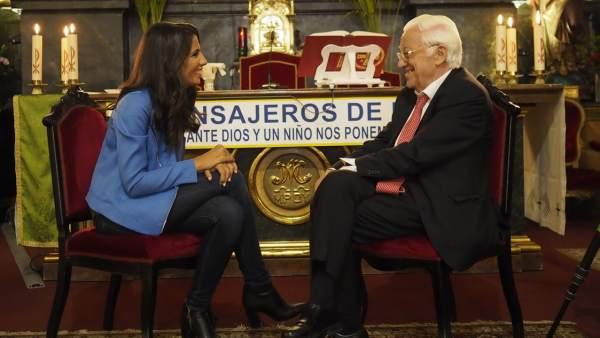 Ana Pastor y el Padre Ángel