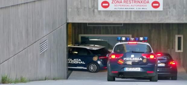 Llega al juzgado la madre del recién nacido encontrado en la basura en Ourense