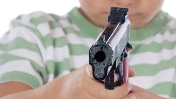 Niño con pistola