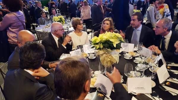 La ministra Tejerina en los premios Porc d'Or