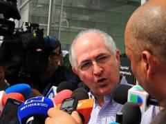 Ledezma llega a Madrid tras huir de Venezuela y será recibido por Rajoy
