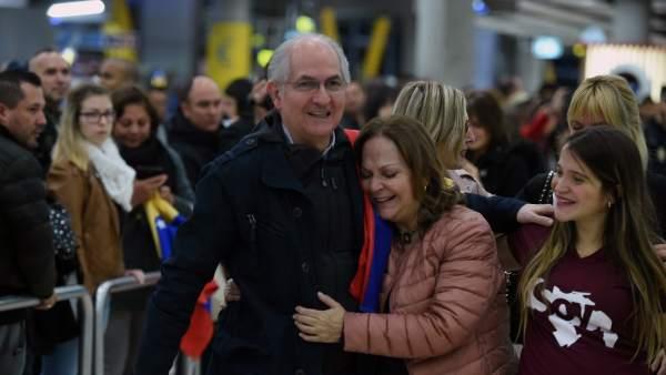 Ledezma llega a Madrid