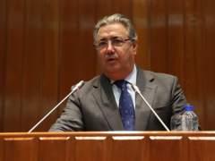 """Zoido se reunirá con la embajadora de Argelia para abordar la """"avalancha alarmante de pateras"""" a España"""
