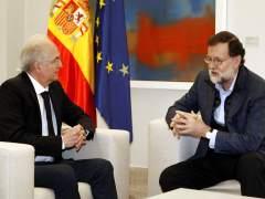 Ledezma llega a Madrid tras huir de Venezuela y es recibido por Rajoy