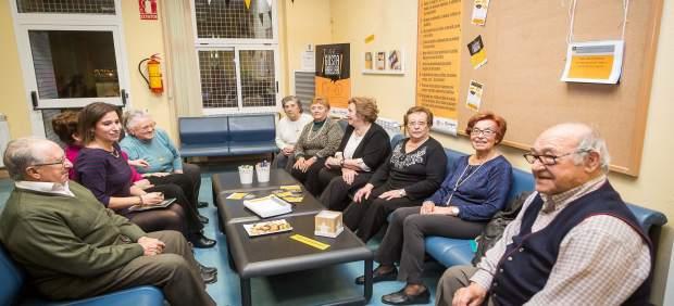 El Ayuntamiento pone en marcha el primer espacio 'Nos Gusta Hablar'.
