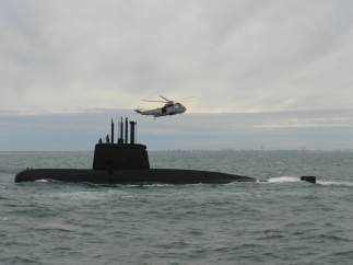 """La armada argentina ha rastreado la """"mitad del área"""" donde desapareció el submarino"""