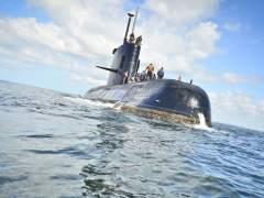 Varios aviones argentinos rastrean una posible pista sobre el submarino desaparecido