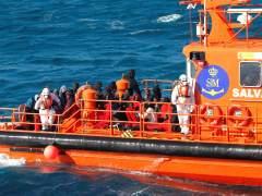 Al menos tres inmigrantes ahogados al volcar una patera en la costa ceutí