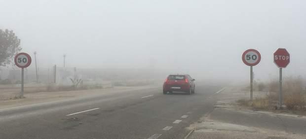 Valladolid.- La niebla afecta a la circulación de varios tramos de carreteresas