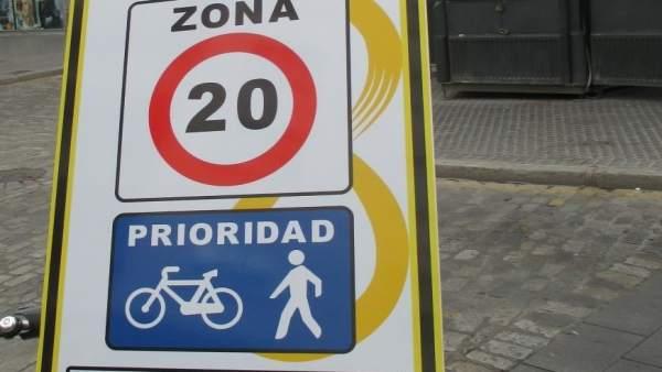 Señal de prioridad para ciclistas y peatones