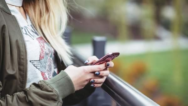 Una de cada 5 mujeres ha sufrido acoso en las redes