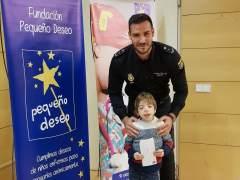 El doble campeón de pragüismo Saúl Craviotto como padrino del calendario solidario de la Fundación Pequeño Deseo