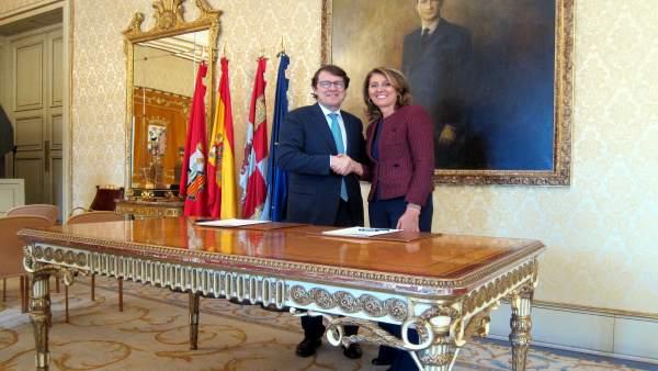 Alfonso Fernández Mañueco y Begoña Cristeto en Salamanca
