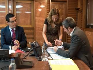 Rodríguez, Dávila y Clavijo en una reunión de consejo de gobierno