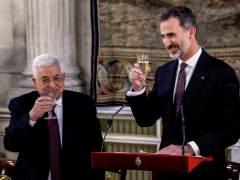 """Felipe VI defiende ante Abás las """"legítimas aspiraciones"""" a un Estado palestino"""