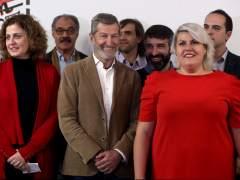 Julio Rodríguez, candidato a liderar Podemos Madrid, rodeado de su equipo.