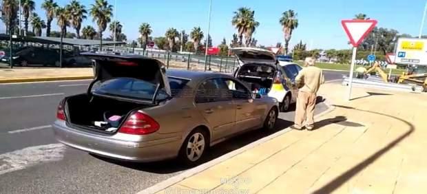 Actuación de la Policía Local en el aeropuerto.